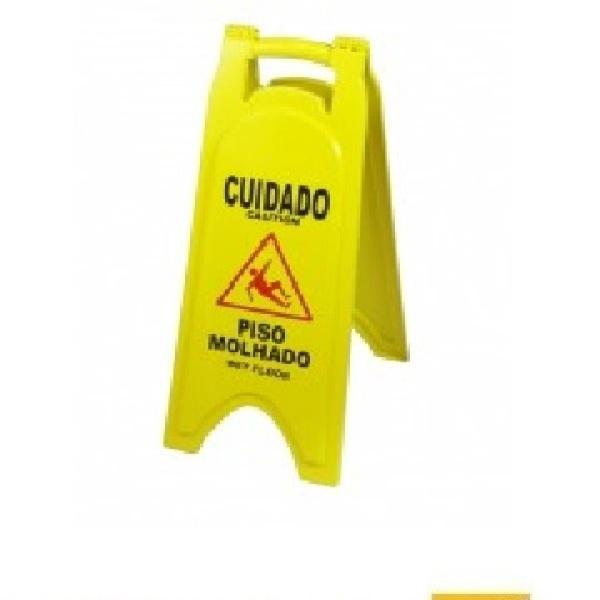 Placa cuidado piso molhado