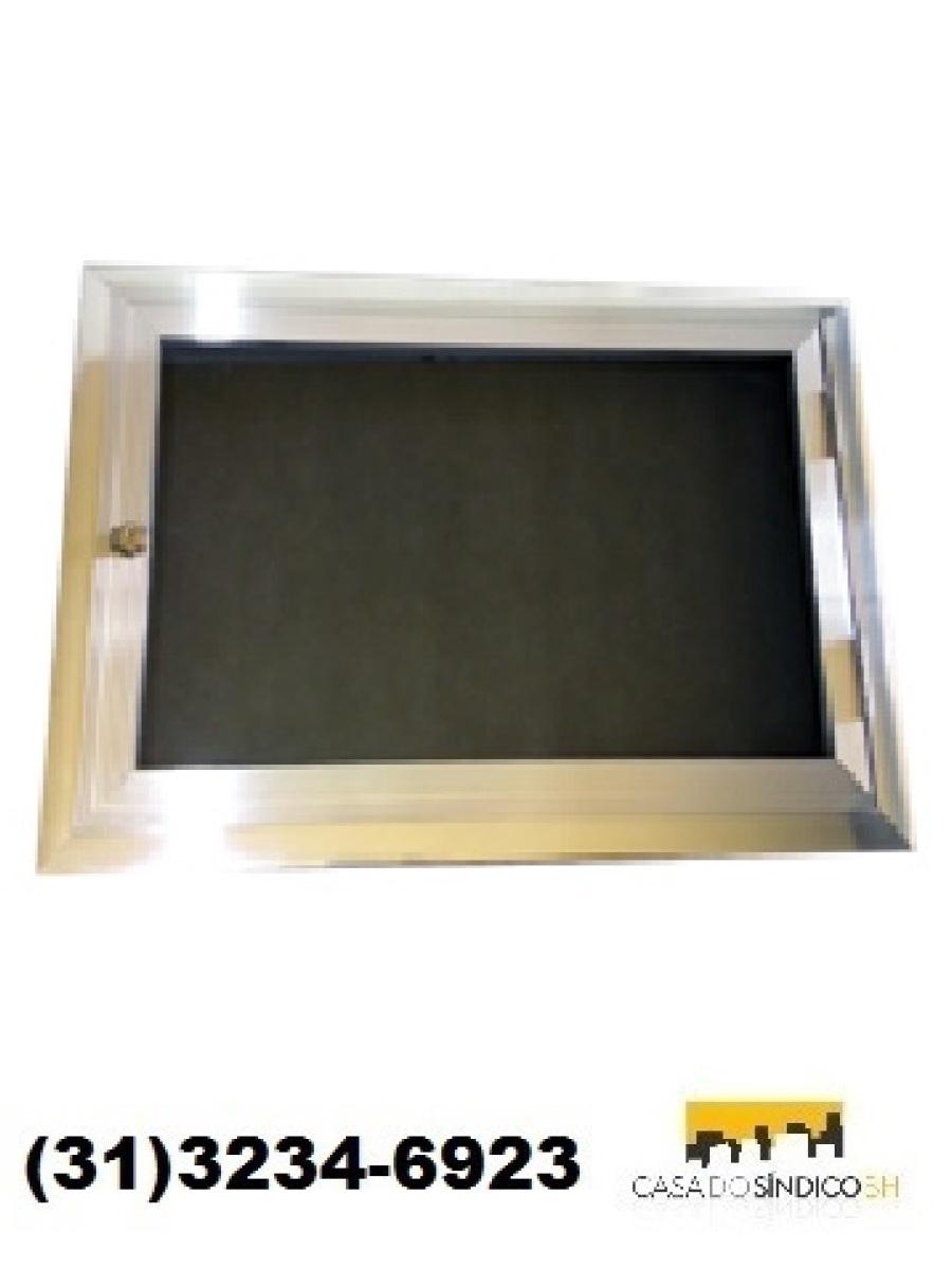 Quadro de avisos 3 folhas com porta vidro e fechadura