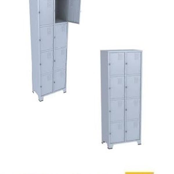 Roupeiro de aço com 8 portas pequenas