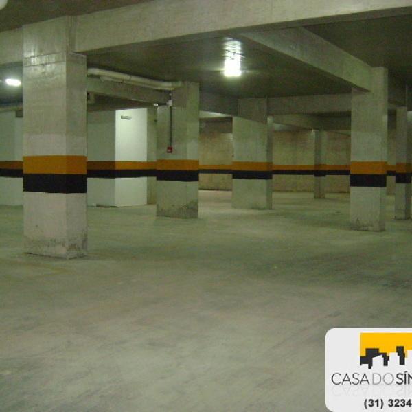 Pintura de pilastras, vigas e colunas de garagem